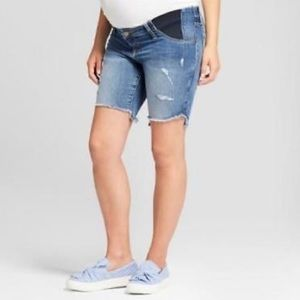 {MOVING SALE} Maternity Bermuda Distressed Shorts